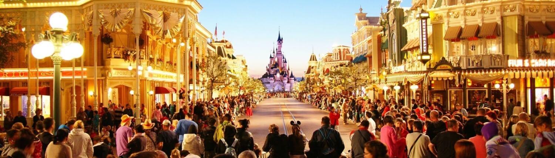 Elektrische Auto naar Disneyland Parijs