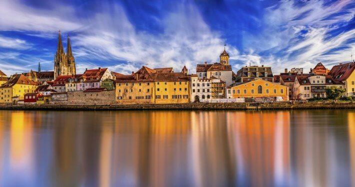 Duitsland Regensburg uitzicht vanaf rivier