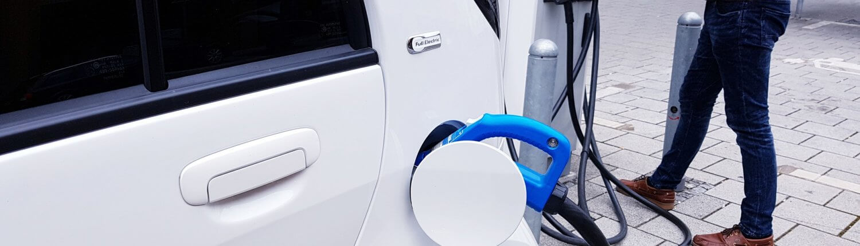 Elektrische Auto aansluiten op laadpaal