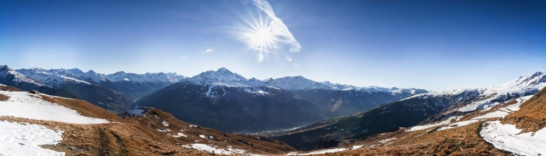 Franse Alpen uitzicht met sneeuw