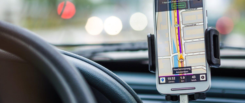 Navigatie Systeem met oplaadpunten telefoon