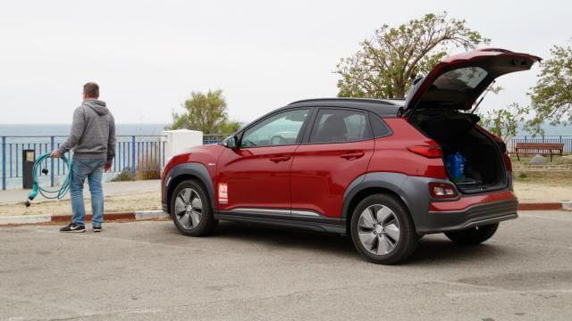 Review AutoWeek Elektrische Auto naar Noord-Spanje laadpaal Spanje