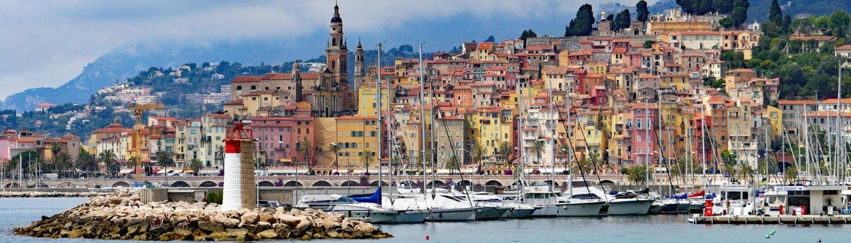 Zuid Frankrijk stad aan zee met haven