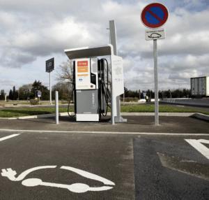 IZIVIA Elektrische Auto opladen Route Du Soleil