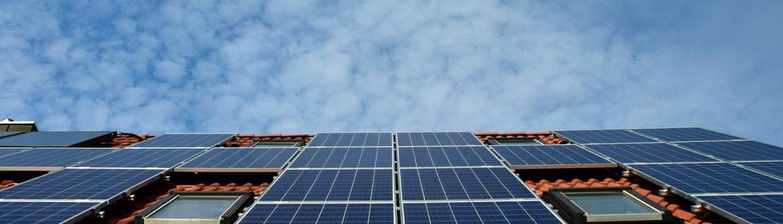 Elektrische auto opladen met zonne-energie