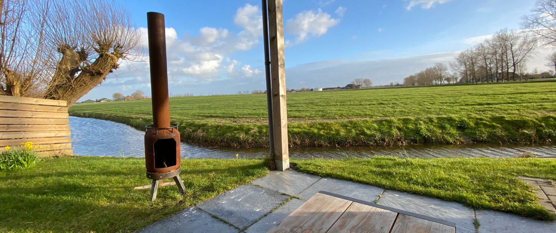 Het uitzicht vanaf het terras bij accommodatie Tante W in Wytgaard