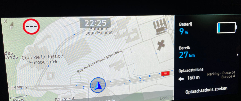 Hyundai Kona Electric aankomst parkeerplaats Melia Luxembourg