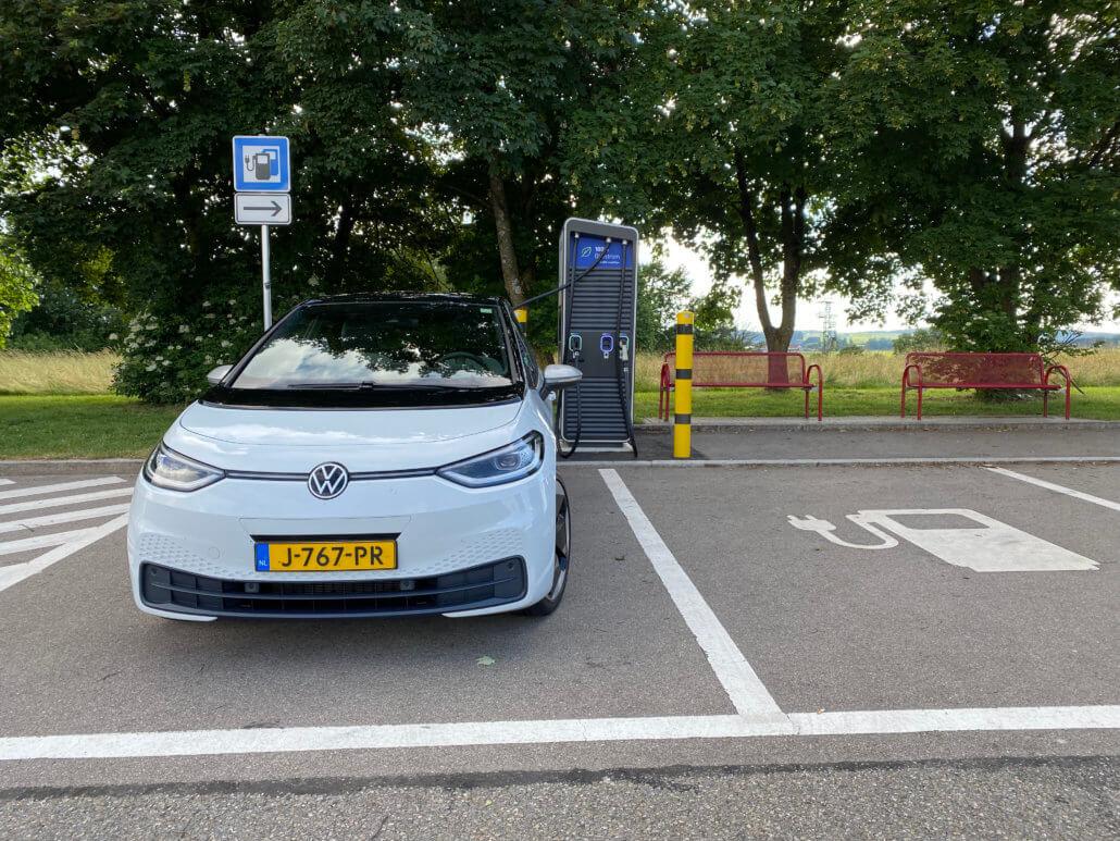 Volkswagen ID.3 opladen bij EnBW in Duitsland