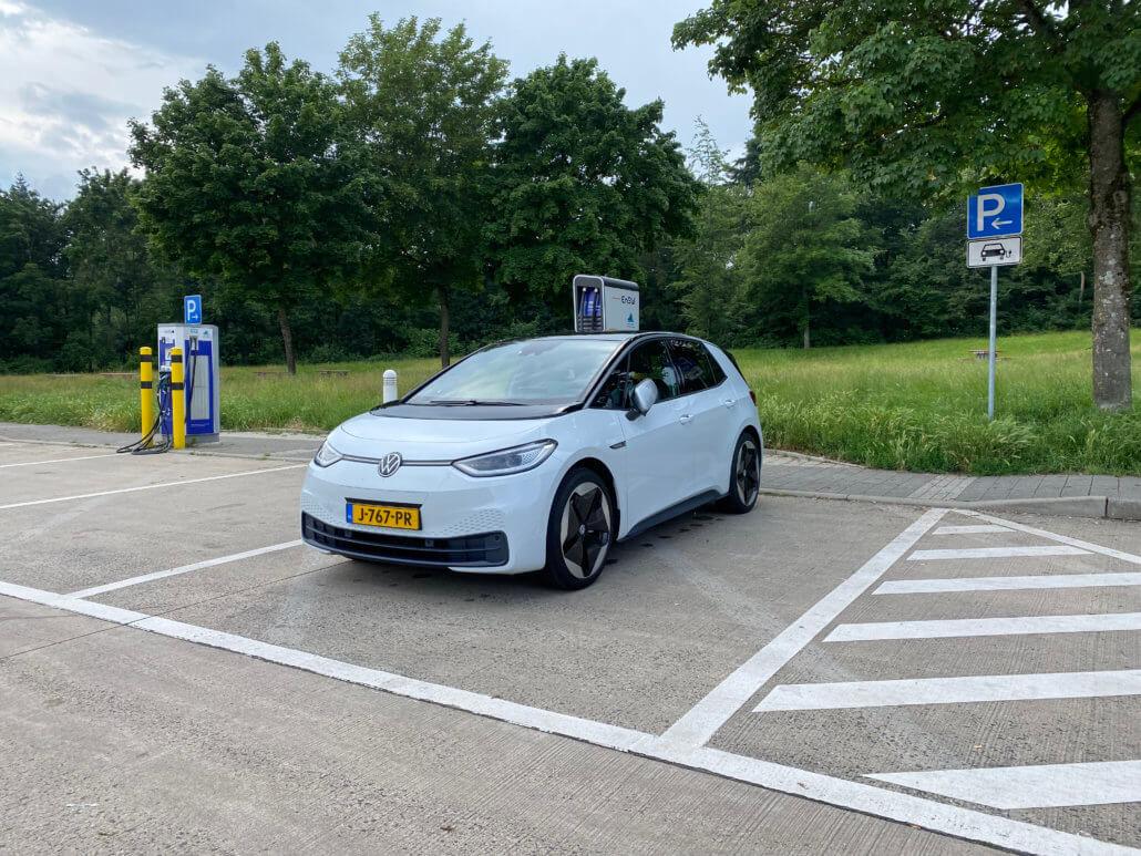 Volkswagen ID.3 snelladen bij EnBW in Duitsland