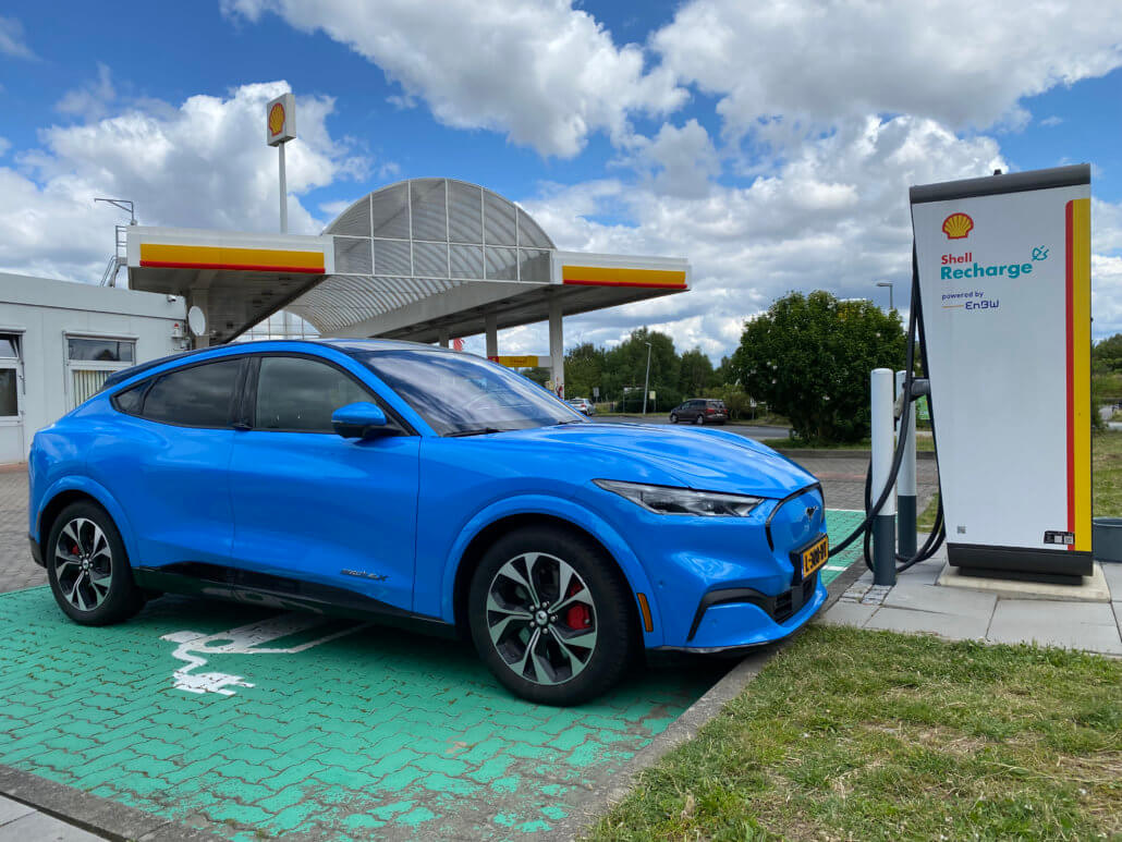 Shell Recharge snellader EnBW - Mustang Mach-E snelladen