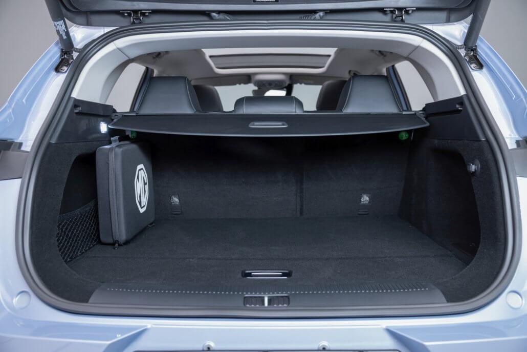 De ruime kofferbak van de MG Marvel R