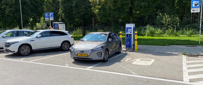 Laadstop Hyundai IONIQ electric Raststätte Hofoldinger Forst Süd