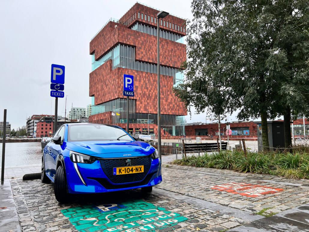 Elektrische auto opladen bij Museum aan de Stroom | MAS Antwerpen